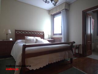dormitorio piso indautxu bilbao